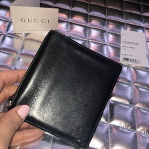Black Gucci wallet